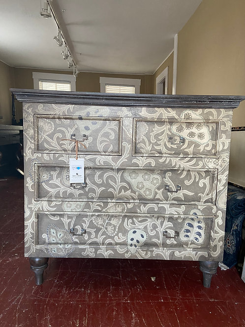 HERITAGE FOUR DRAWER CHEST