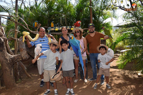 Zoofari vibora y pajaros con familia.jpg