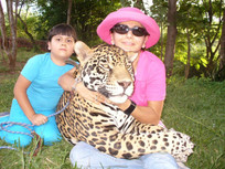 Jaguar pinto con Alo chiquita.jpg