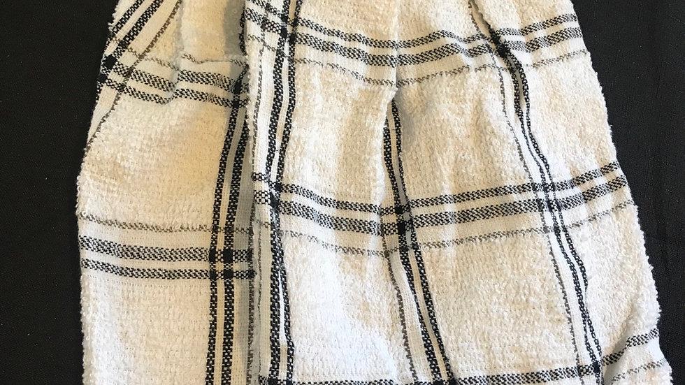 Black and White Towel Set