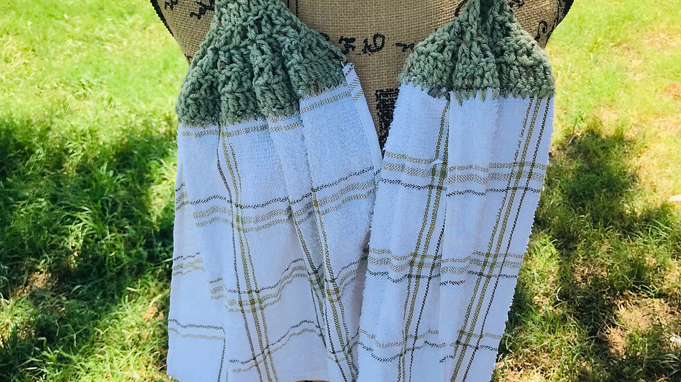Crocheted Green Scarf Towels