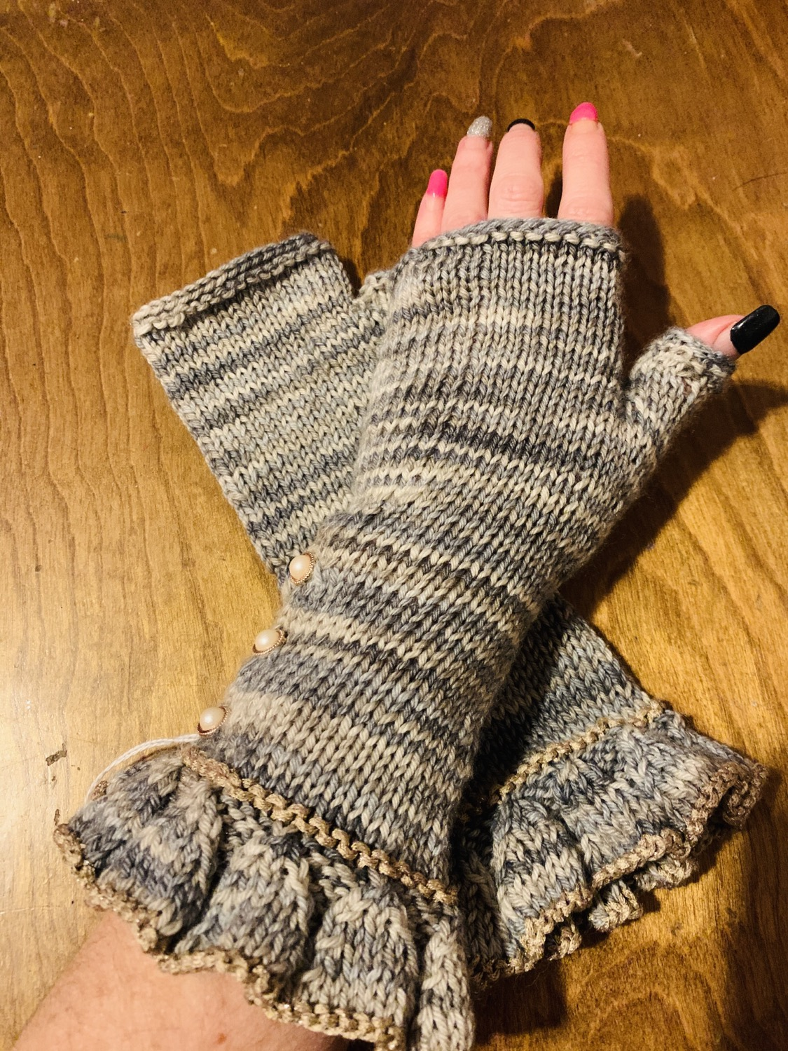 Pearl button fancy fingerless gloves