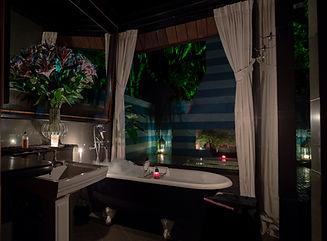 Nice bathroom Night.No candle2.0 .jpg