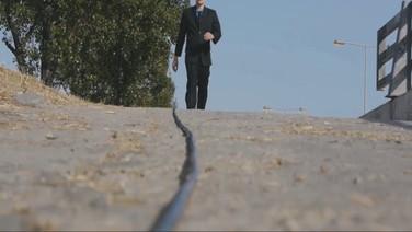INTERMEDIÁRIO   (Intermediate)  Antonis Rozakis, Grécia, 2018, 4 min.  O fluxo da vida e como ele para.  DATA E HORÁRIO DE EXIBIÇÃO - CINEMATECA DO MAM 19/07 - 14H40  SESC SÃO GONÇALO 26/07 - 16h