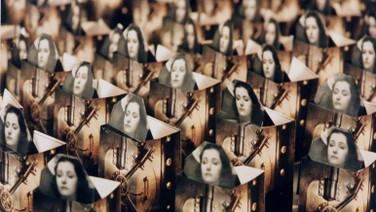 FILME RÁPIDO   (Fast Film, 2003, 14 min.)  A clássica homenagem animada de Virgil Widrich a filmes, feita à mão, com dobras de 65.000 impressões de molduras de filmes em objetos tridimensionais.   DATA E HORÁRIO DE EXIBIÇÃO - CINEMATECA DO MAM  20/07 - 20H30