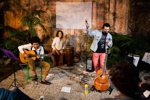 Show de Rodrigo Torrero e banda fechando o evento.  Show of Rodrigo Torrero e banda closing the event.  Photo: Ribas - foto e vídeo