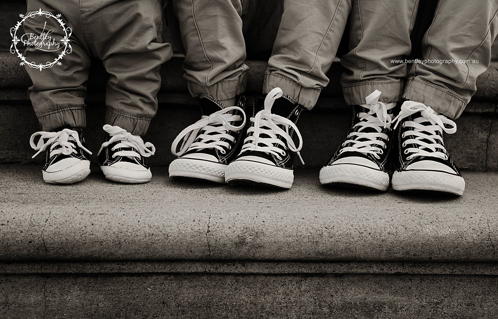 gold coast child photographer black converses matching.jpg