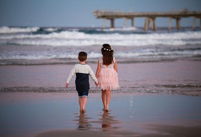Photo (1) gold coast sibling beach outdo