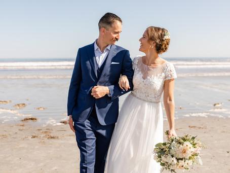Meredith + Mark: Beach & Backyard Wedding in York, Maine