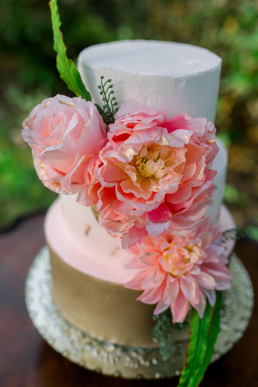 Maine Elopement Wedding cake