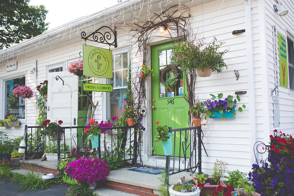 Fiddleheads Flowers and Chic Gifts