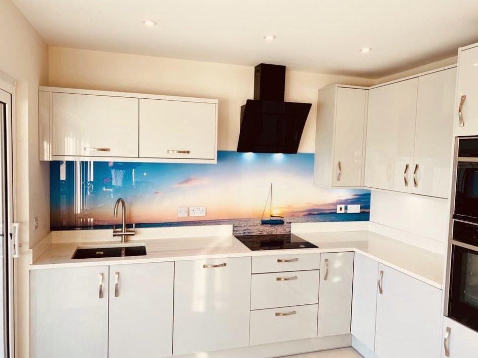 Kitchen Style: Vivo Gloss Light Grey