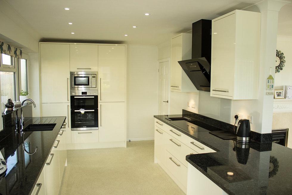 Gloss cream kitchen
