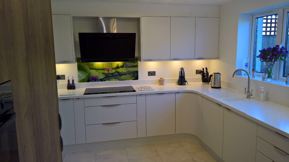 Kitchen Style: Bellever Matt Porcelain & Linden Tobacco Halifax Oak