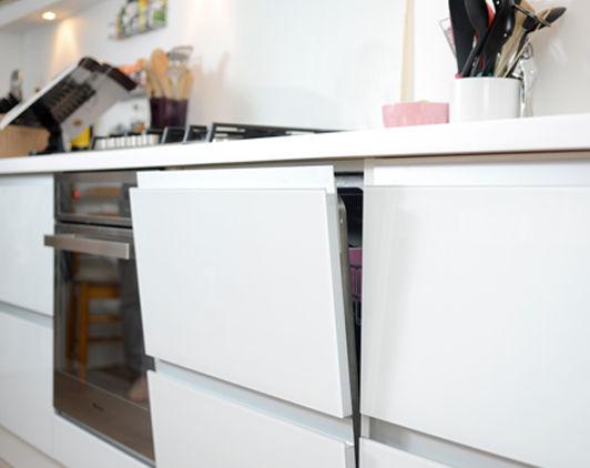 Handleless White Kitchen