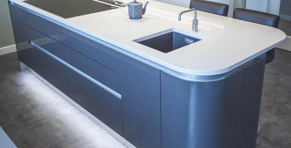 Modern Gloss Kitchen (8).jpg