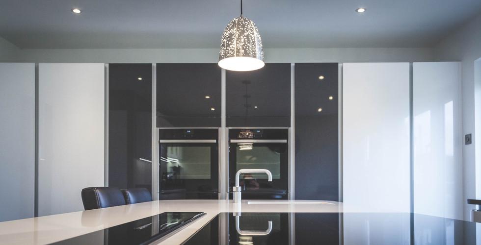 Modern Gloss Kitchen (5).jpg