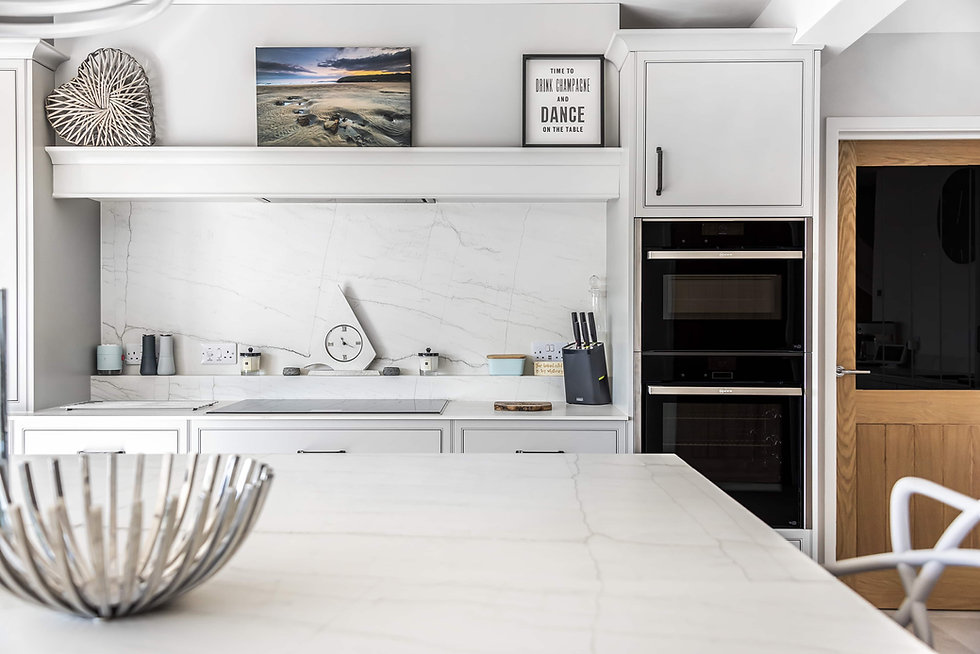 luxurious in-frame kitchen with a flat panel design