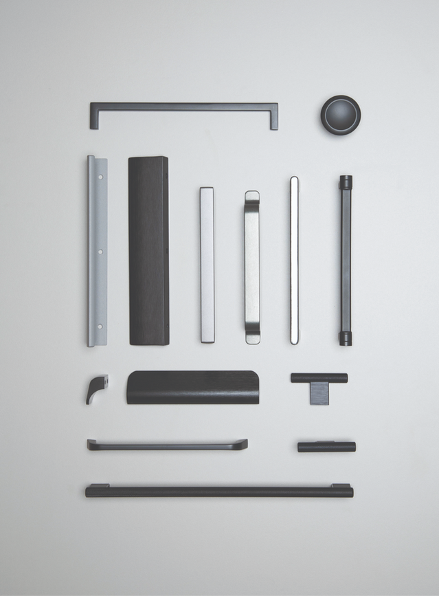 S6-2020-handle-flatlays-003_edited.png