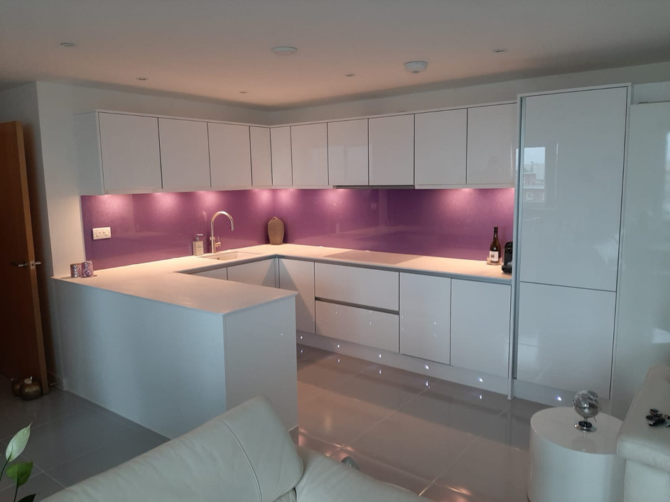 Gloss White Kitchens