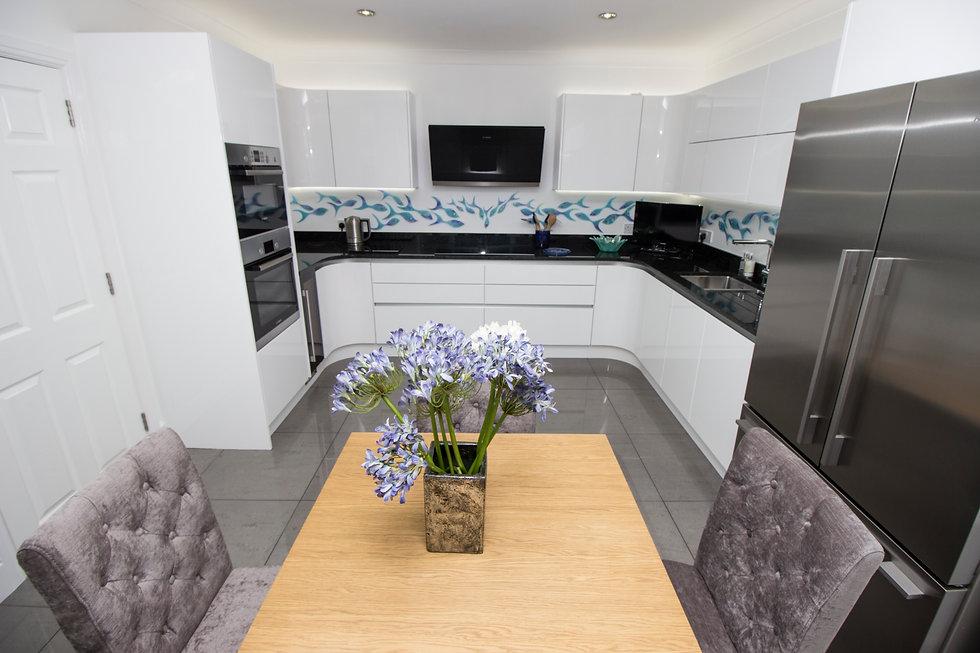 White handleless kitchen