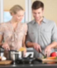 woman-kitchen-man-everyday-life-298926.j