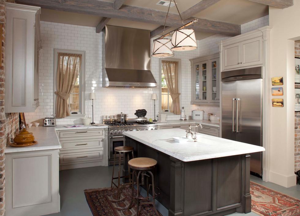 9 - 1001e - kitchen.jpg