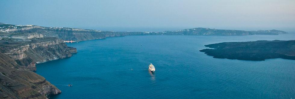 Santorini_1724_YSkoulas.jpg