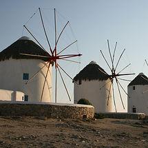 windmills-613459_1920_edited.jpg