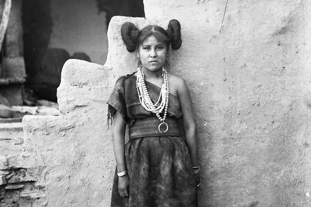 Hopi girl at Old Oraibi