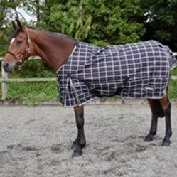 WHITAKER TURNOUT RUG DARWEN 200 GM BLACK/RED