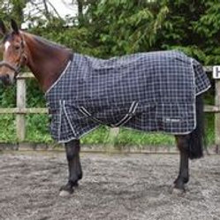WHITAKER TURNOUT RUG LIGHTWEIGHT ARMLEY 50 GM BK/WHITE CHECK