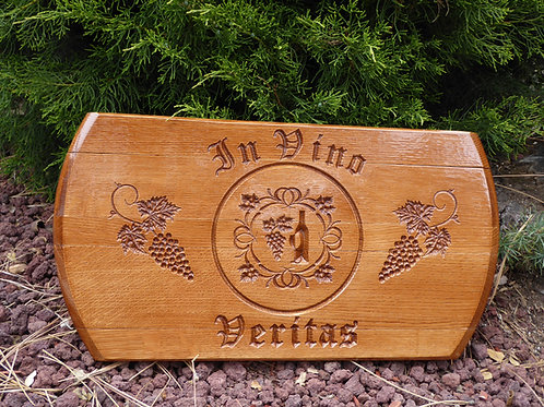 3/4 Carved Reclaimed Oak Whiskey Barrel Lid - In Vino Veritas