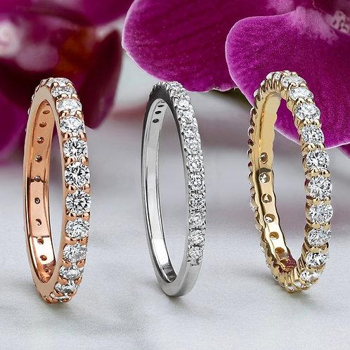 Alliances en or jaune et blanc serties de diamants