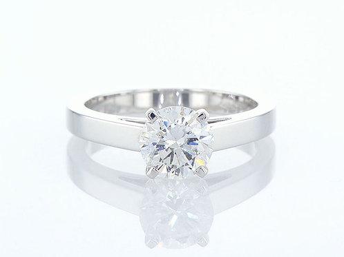 Bague de fiançailles sertie d'un diamant solitaire rond