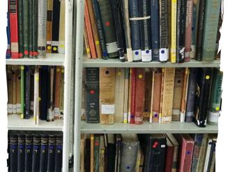 עגלת הספרים למכירה חזרה לספרייה!