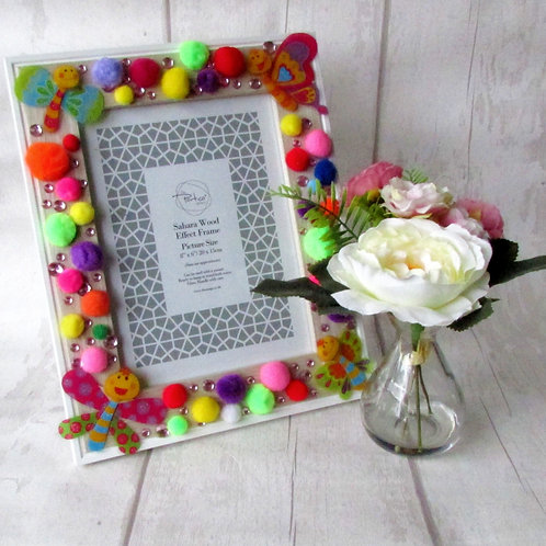Hand-decorated Pompom Photo Frame
