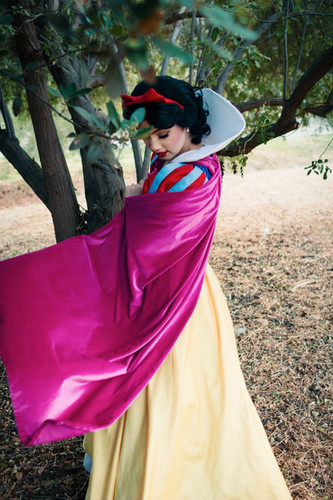 Snow White Character for Parties in Los Angeles