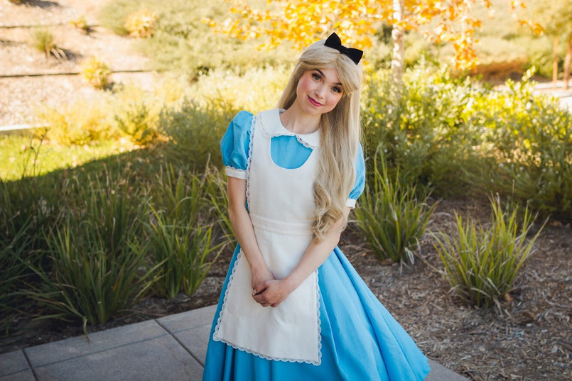 Alice in Wonderland Character for Parties in Los Angeles