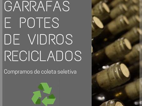 Garrafas e potes reciclados