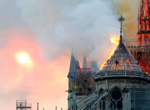 巴黎聖母院燒毀如何修復?古蹟保存台灣無人機技術辦得到