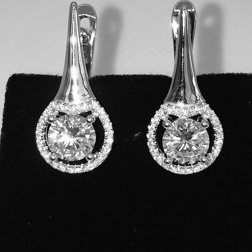 Stunning pair of Sterling silver and cubic Zirconia Earring