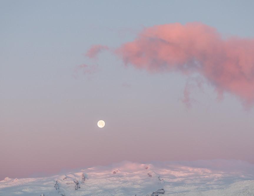 Iceland Moon Jenni