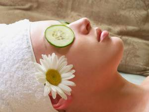 Woman_at_spa-1