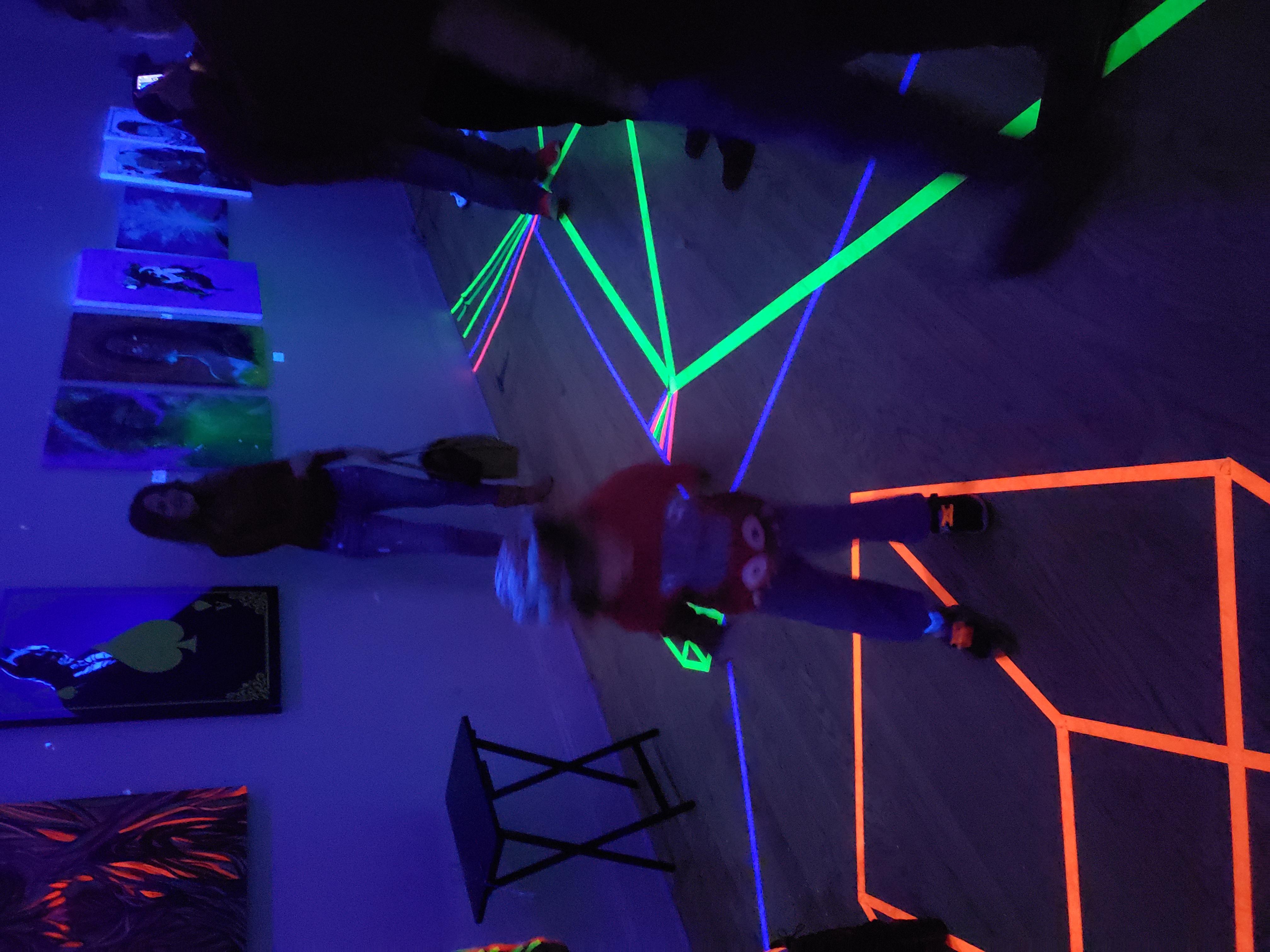 Neon show 4