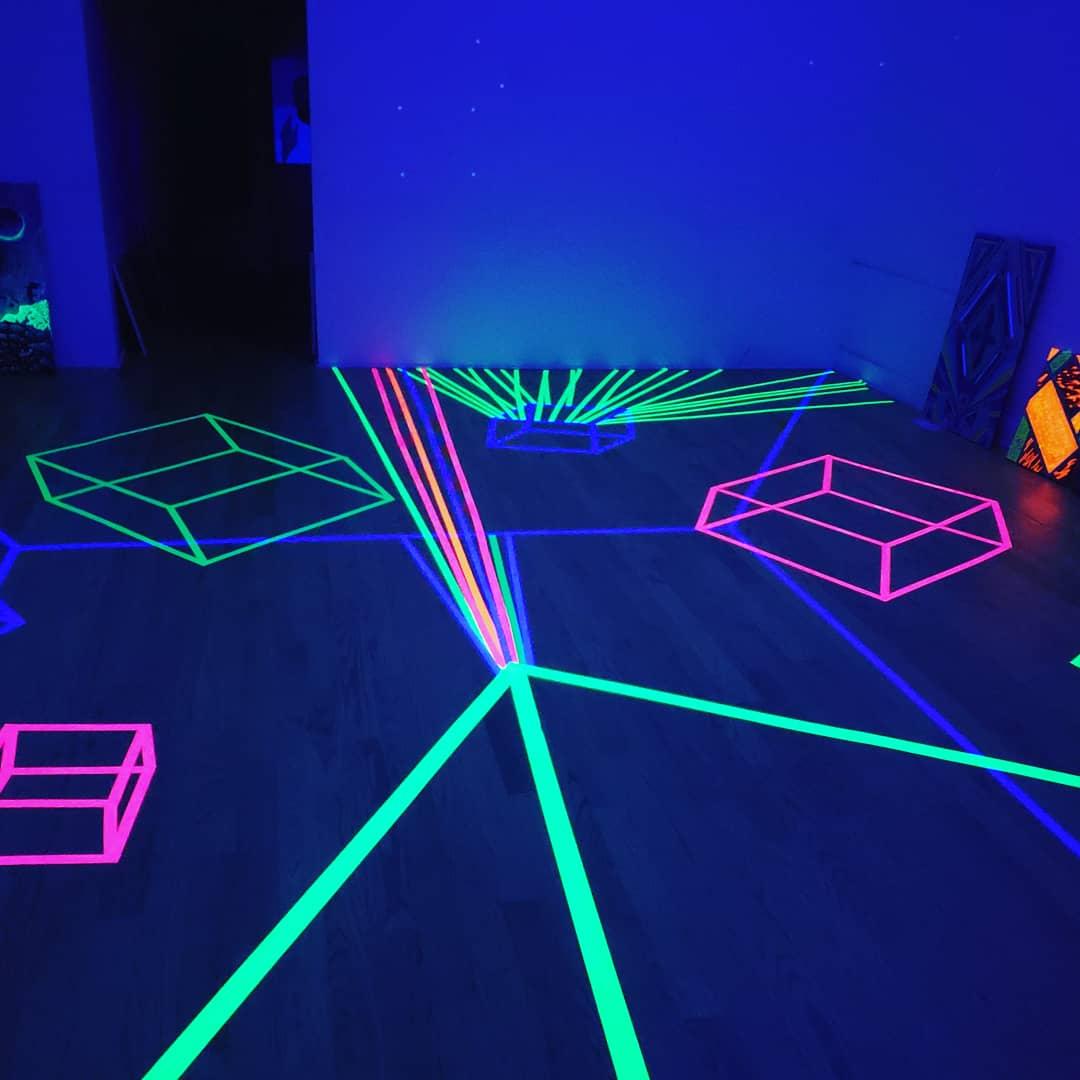Neon show 3