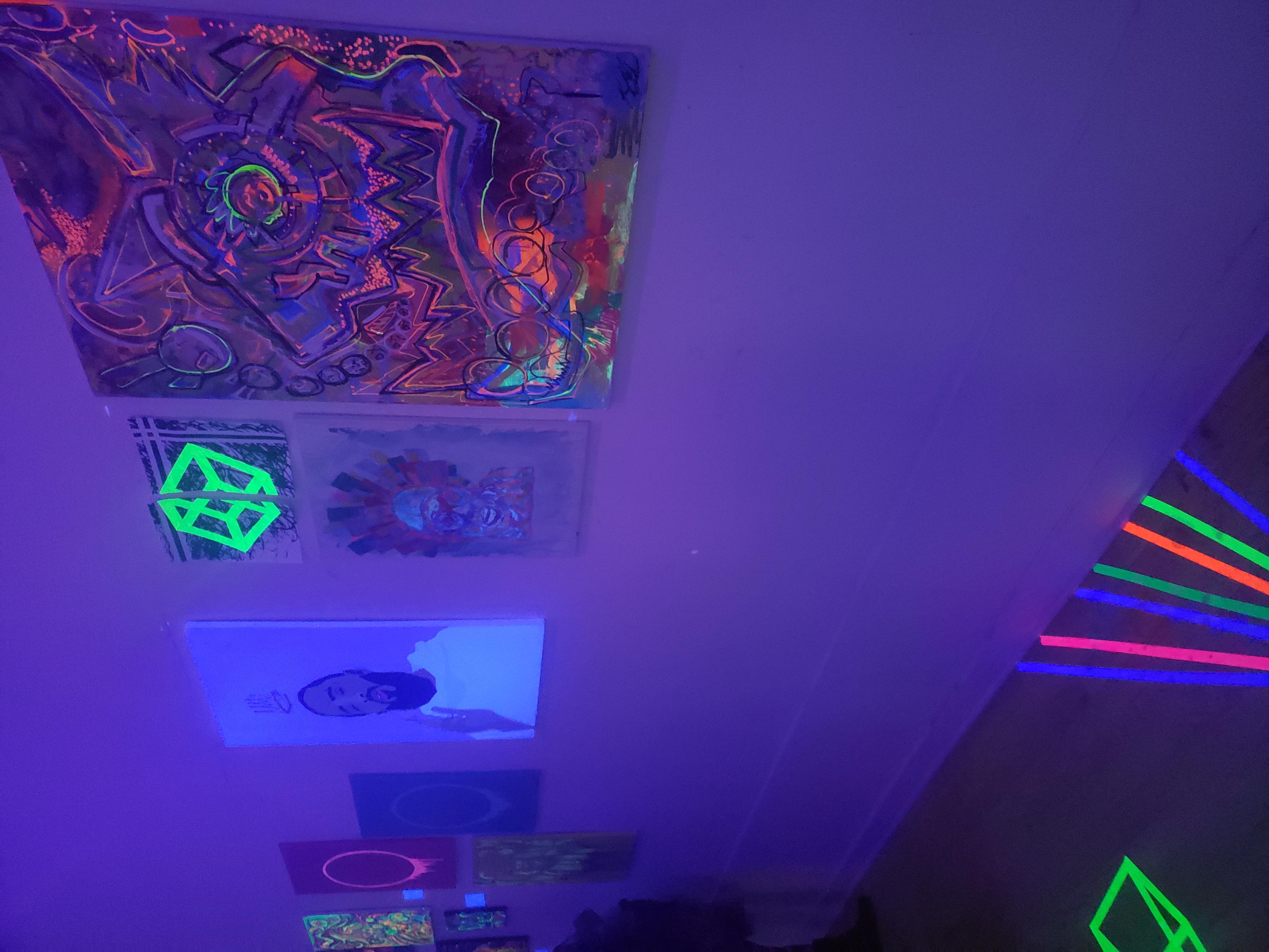 Neon show 6