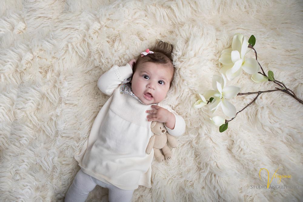portrait bébé de 4 mois
