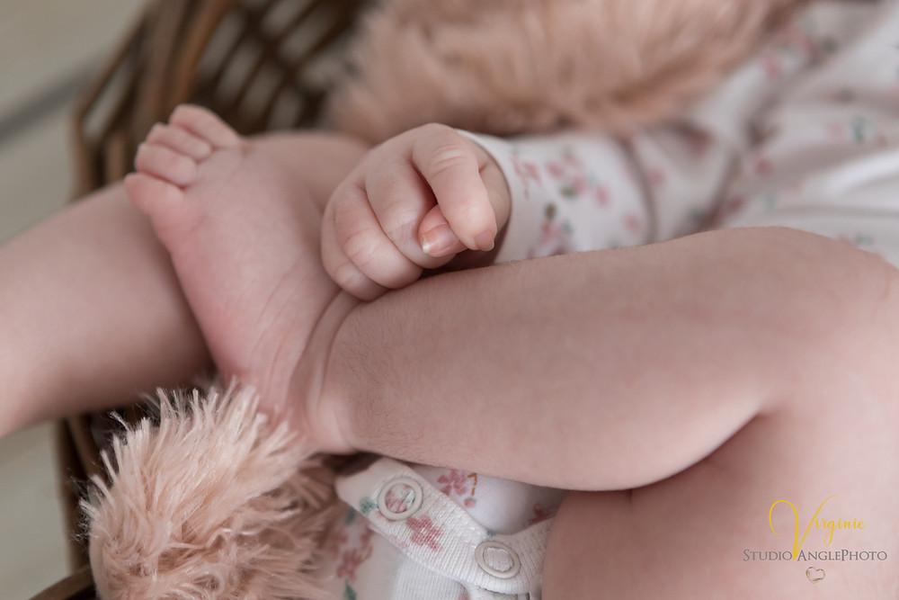 pied et main de bébé