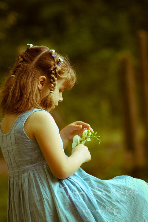 petite fille fleurs